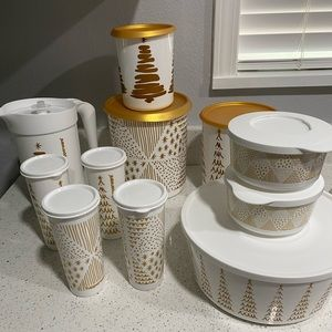 TUPPERWARE 11 PIECE SET